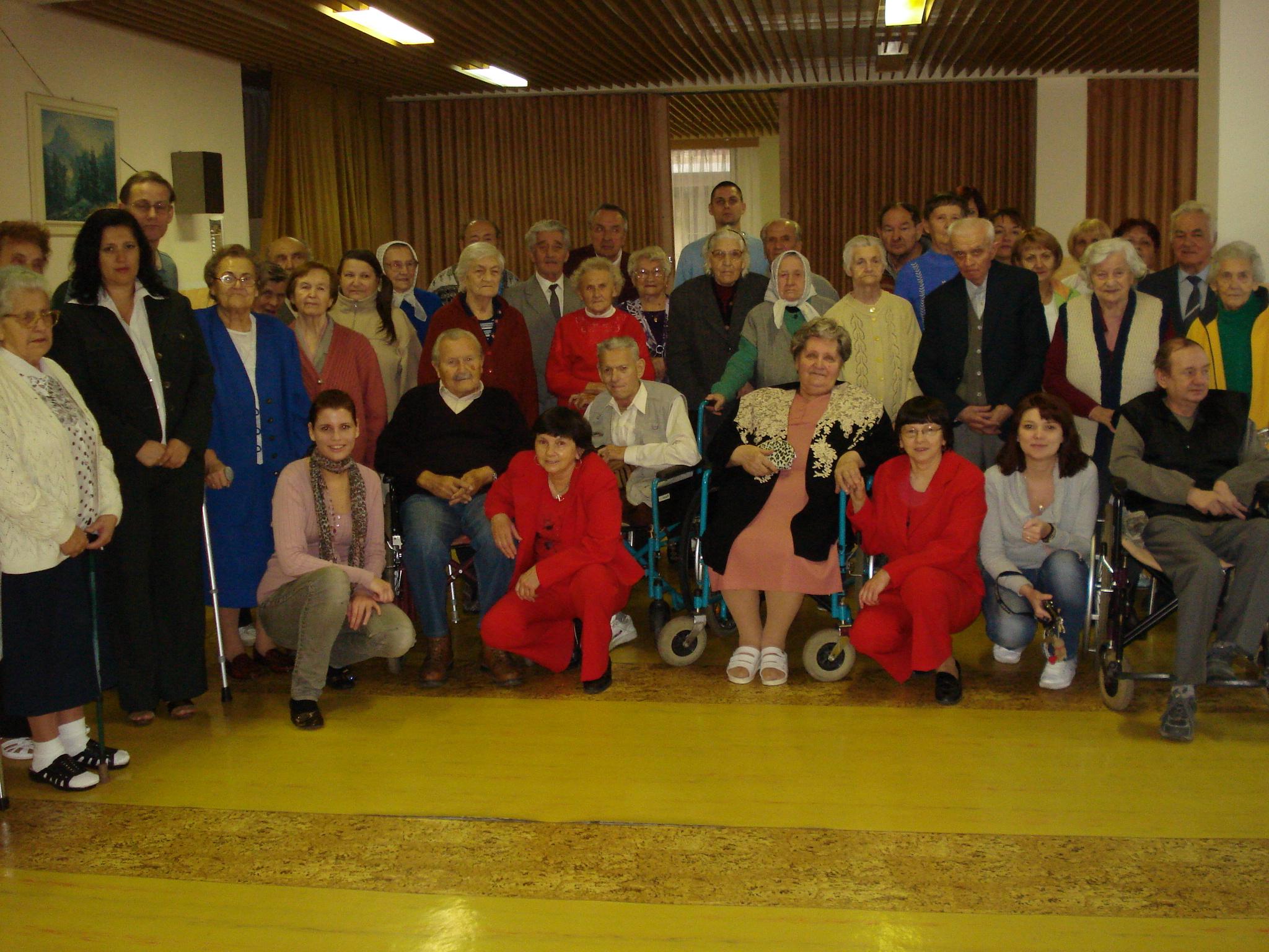 Spoločná fotografia klientov a personálu 2010