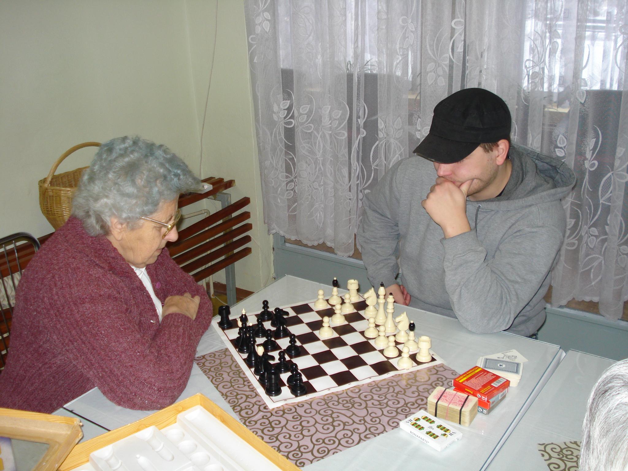 Spoločenské hry - dáma a šach 2011