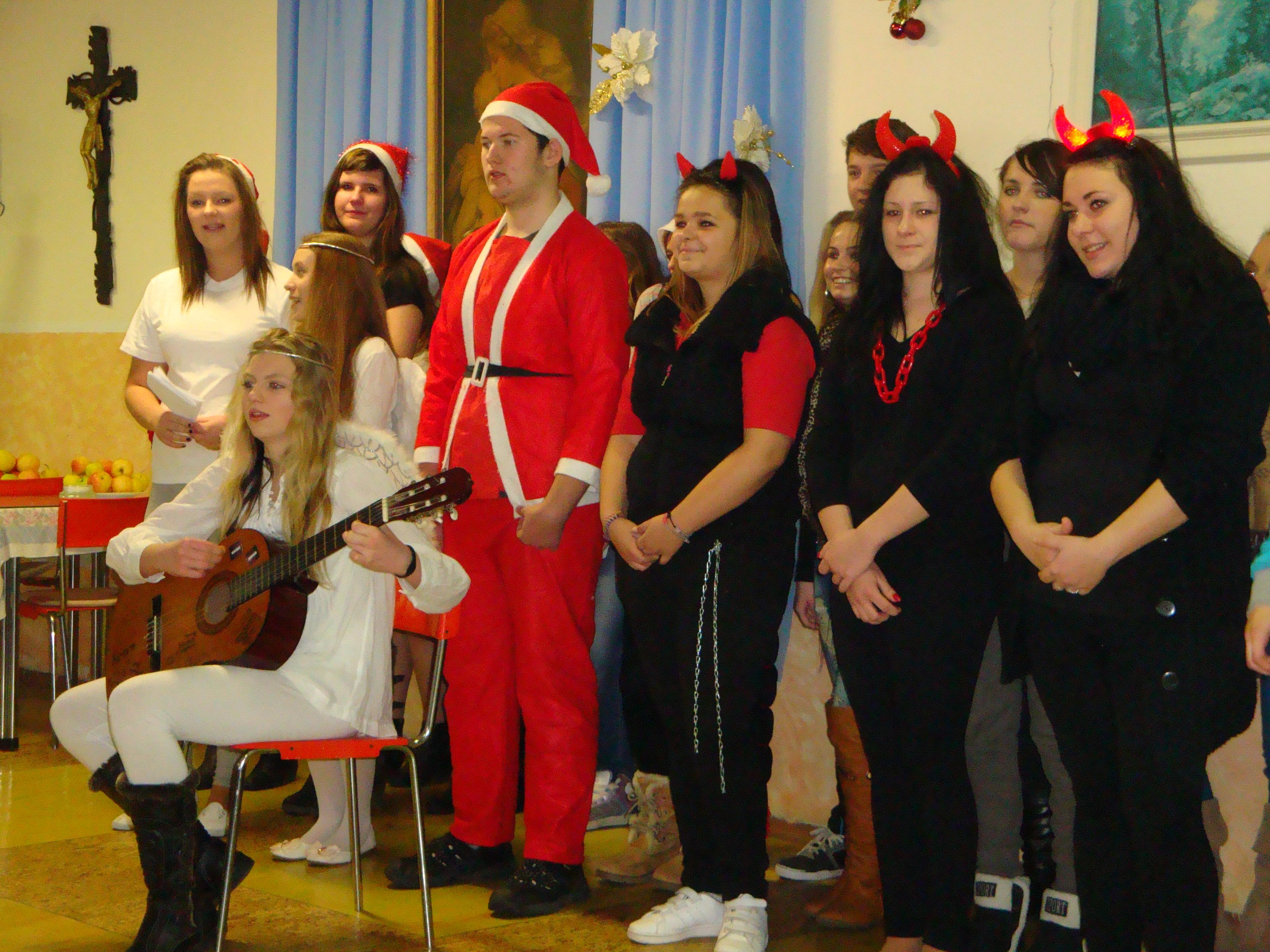 Detské vianočné vystúpenie 2012