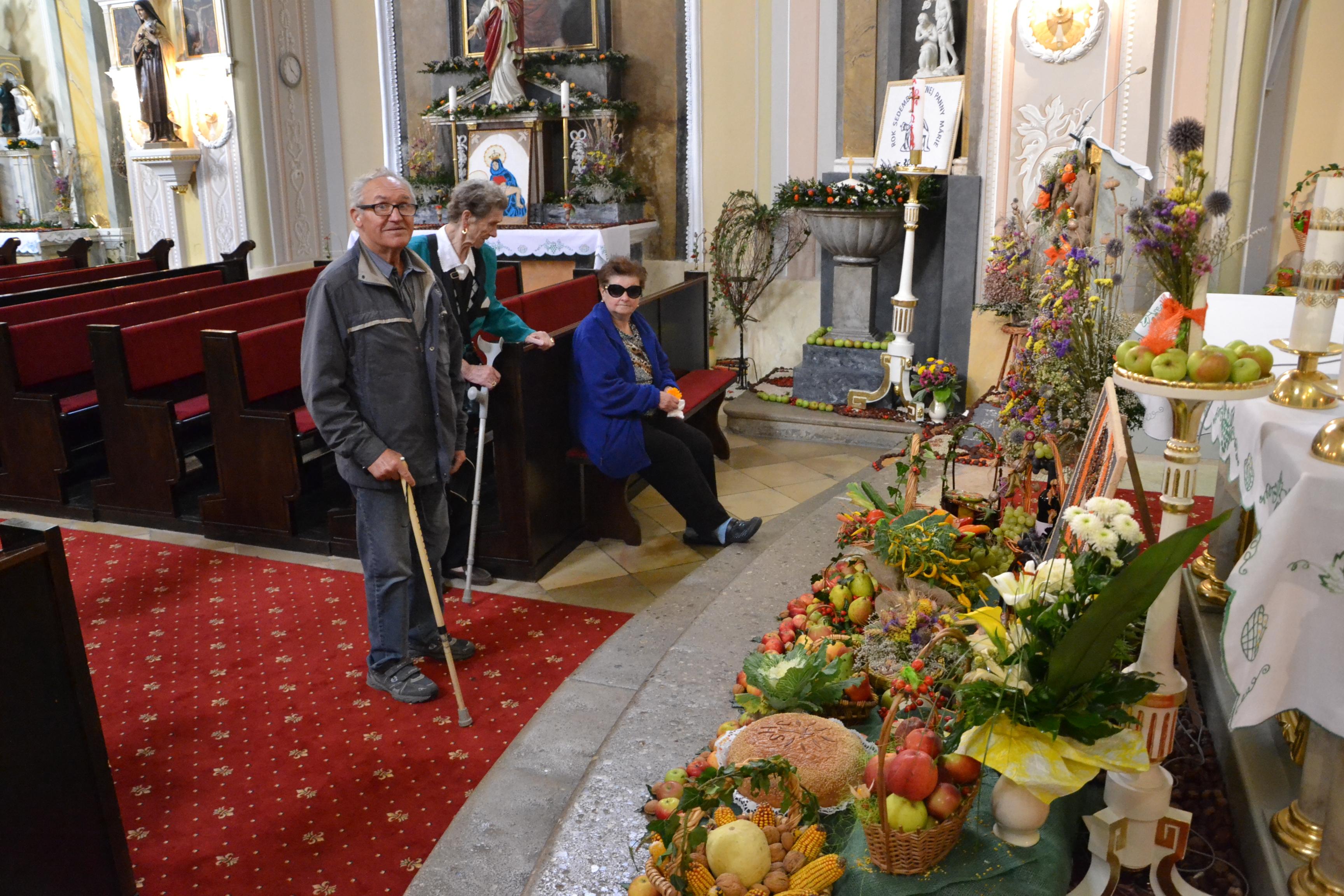Návšteva kostola Dolná Krupá spojená s jesennou výzdobou 2014