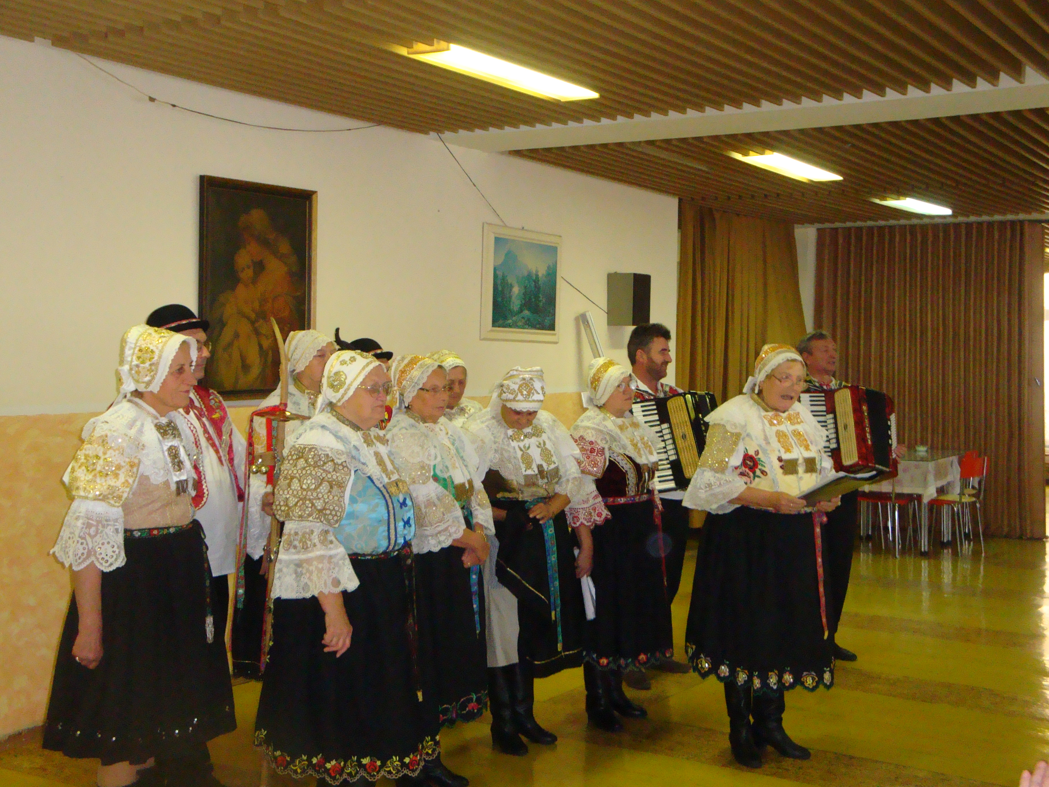 Vystúpenie folklórneho súboru Modrančanka 2010